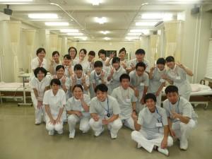 中田先生、埜村先生、伊藤先生、戸田先生と学生ボランティア